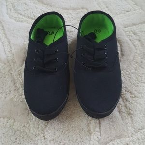 Other - New! Black unisex sneaker shoes